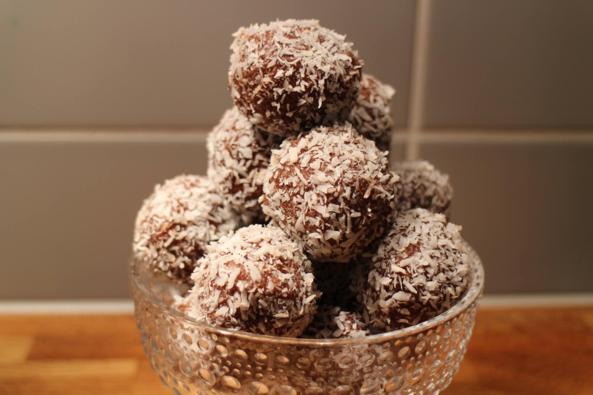 chokladbollar lchf mandelmjöl